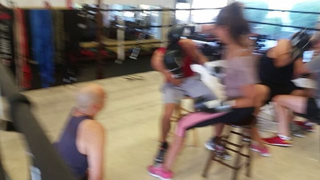 To break the shyness... ice breakers, lol! Great 10am session with Coach Joe Ben #boxing #sandiegoboxing #fitness #gyms #sdgyms #sandiego #maxwellsboxing