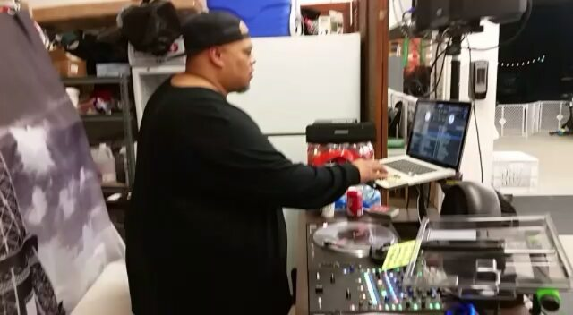 And the beat goes on with dj Joey G of Unique Technique... The nightshift with Coach Henry... I'm proud of our students and my coaches.  I have tremendous gratitude with where we're at as we continue to build.  Empowerment is where it starts, always #boxing #sandiegoboxing #gyms #sdgyms #fitness #strength #empower #sandiego #miramar #miramesa #maxwellsboxing #gratitude