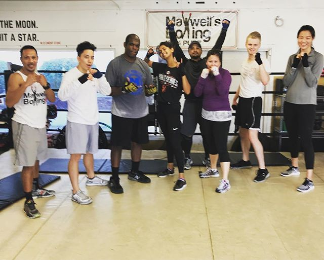 Sat morning sweat 🏽 Class with Coach Jeremy is every Sat at 10:30am! Your first class is free and we welcome beginning thru advanced levels. Message us with any questions and to set up your first visit!...#maxwellsboxing #boxing #sweat #work #miramar #miramesa #sandiego #poway #scrippsranch #lajolla @kelela121512 @philcalica @namagill