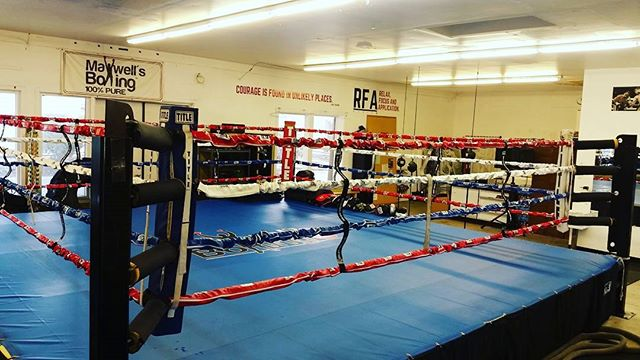 My homie & business partner @ryan_823 surprises me again with the new red, white & blue ropes, we're prepping to start showcasing boxing shows, we're getting there, always building up. Grateful #boxing #sdboxing #gyms #sdgyms #sandiegotraining #sandiego #miramesa #miramar #pq #scrippsranch #poway #rb #lajolla #delmar #maxwellsboxing #gratitude