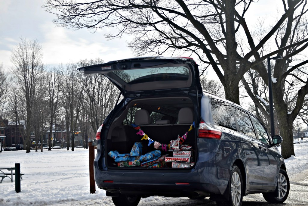 toyota-sienna-car-packed-with-presents