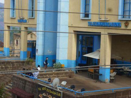 Gondar place 04 Poste 2013 terrasse