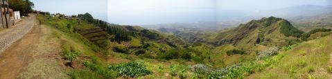 CaboVerde2013-H-39 Pico da Cruz Panorama Porto Novo depuis village