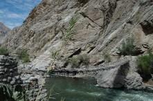Peru-Canyon Cotahuasi Pont suspendu en branches
