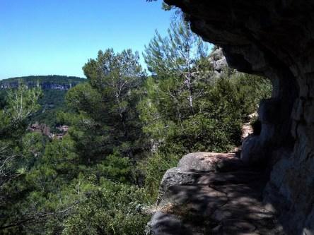 2014-07-12 Ruta dels Refugis (7)) Montée Mussara equilibre