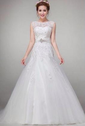may váy cưới theo mẫu 2