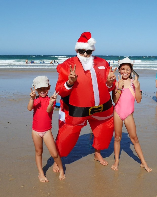 father-christmas-on-the-beach