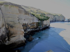 tunnel beach (2)