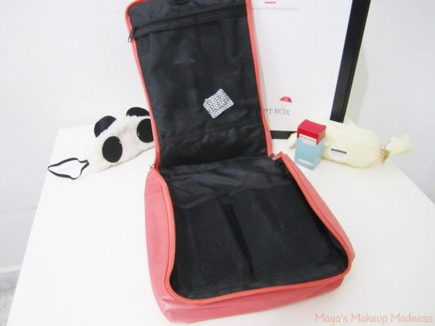 08-makeup-bag-03
