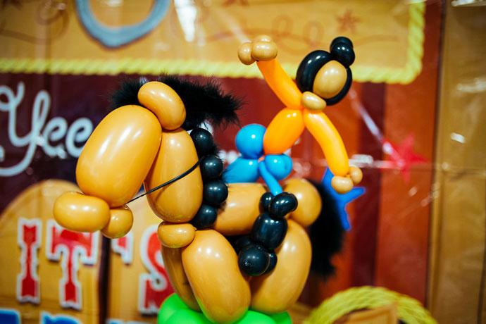 Balloon-Cowgirl