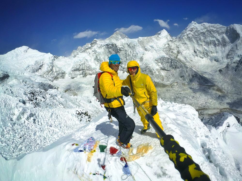 Ochomiles: Hervé Barmasse y David Göttler abordan una nueva vía en Shisha Pangma (8.013m)