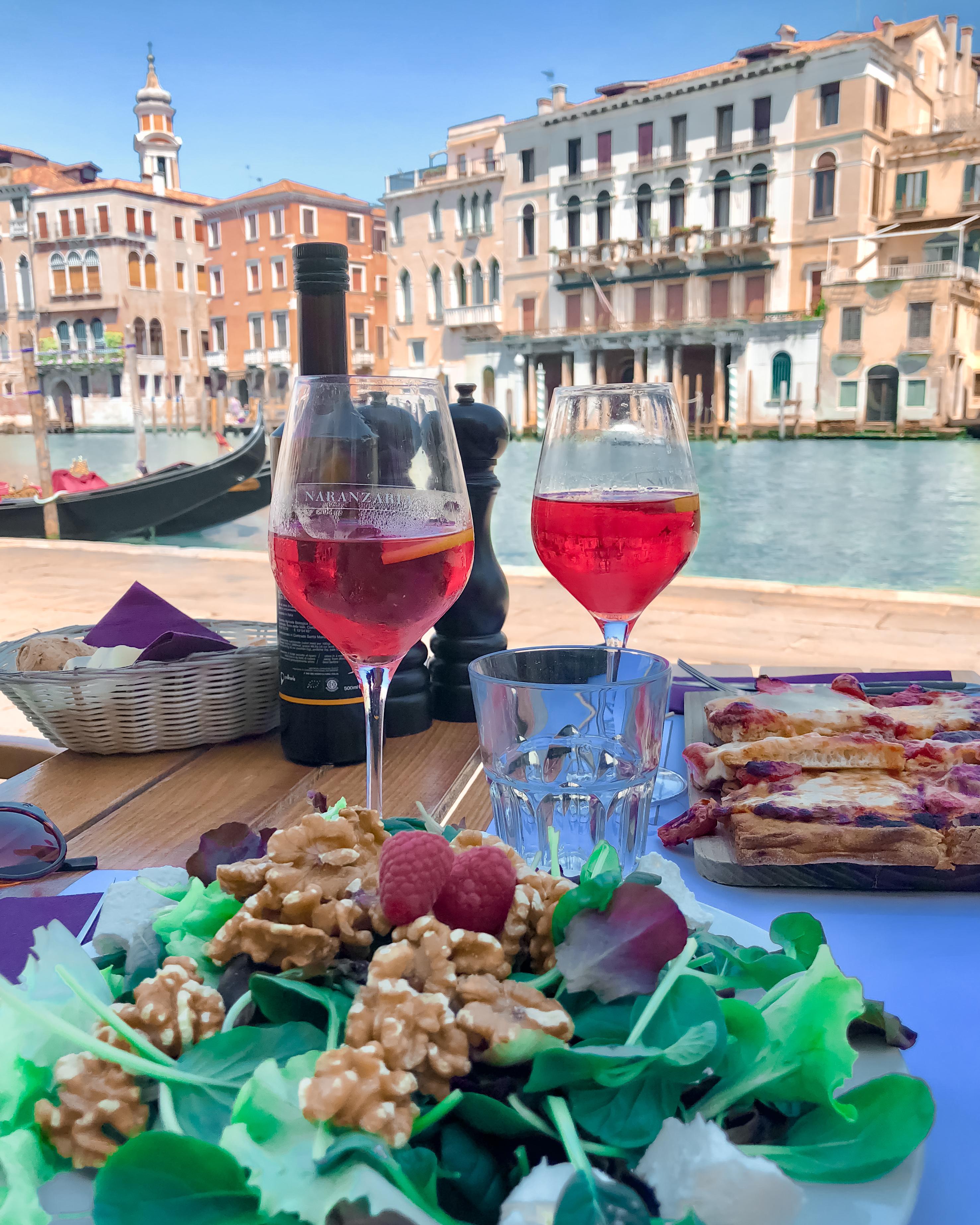 Attrapes-touristes, bain de foule quelques conseils pour ton séjour à Venise.