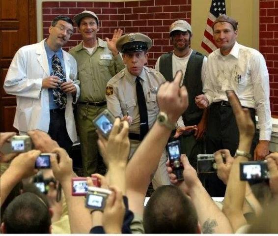 Floyd, Gomer, Barney, Ernest T, and Goober posing for the cameras.