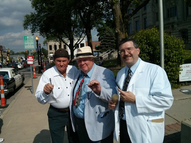 Goober, Otis, and Floyd on the streets during Mayberry in the Midwest.
