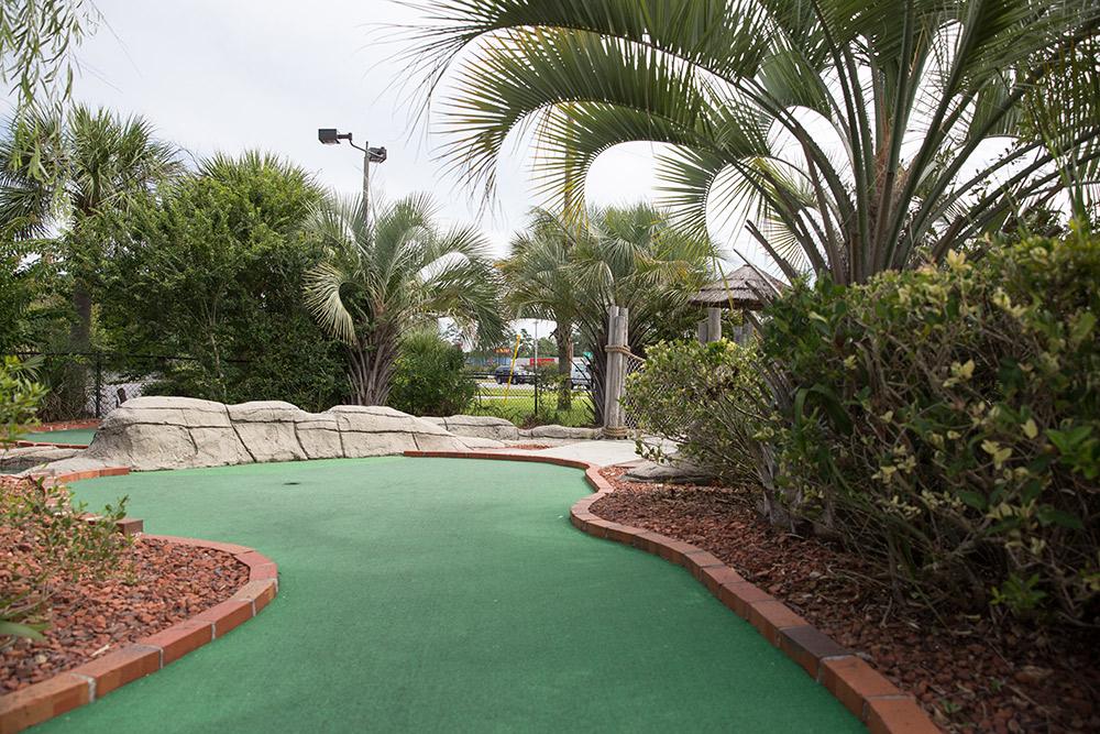 myrtle beach mini golf course