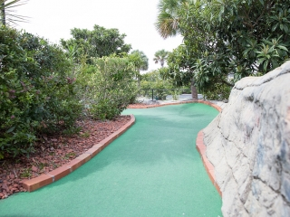 miniature golf course fun in sc