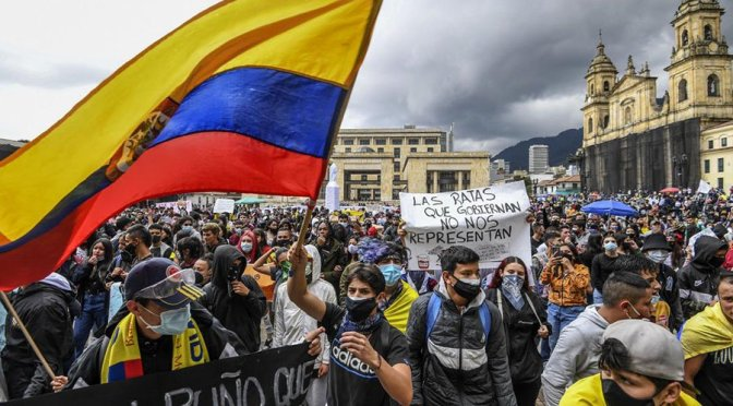 Video: Colombian president sends police and army against the people