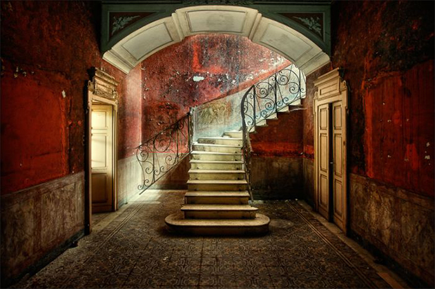 1-ruined-stairs