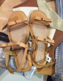 Gap Flat Sandals edit