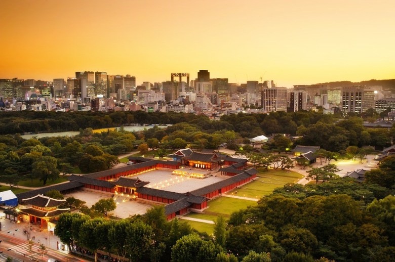 Changgyeonggung Palace sunset