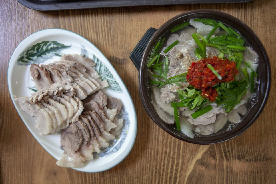 Pork & Rice Soup(Gukbap) with boiled pork meat