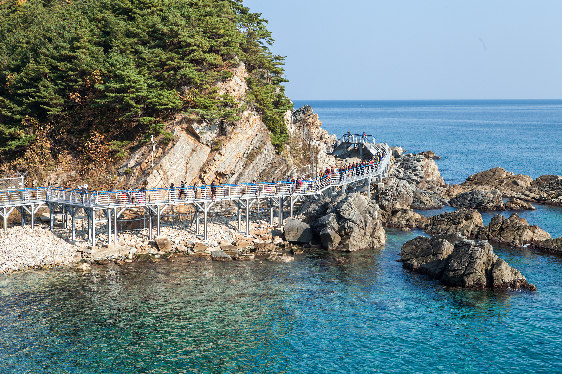An unspoiled and beautiful sea route_Jeongdong Simgok Badabuchaegil Trail