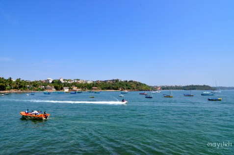 Speedboats, slow boats and stationary boats