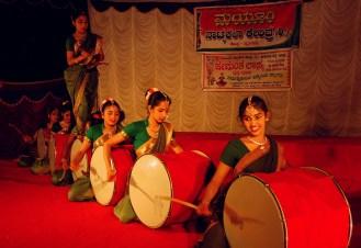 Dollu Kunita - Drum dance