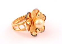 gold-women-ring-1