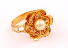 gold-women-ring-2