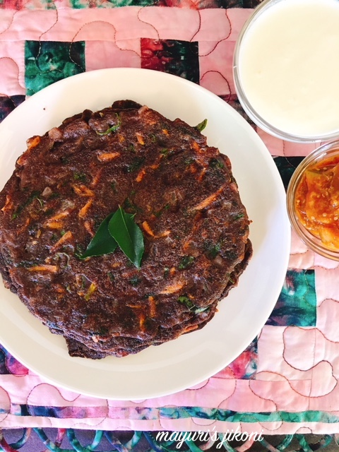 Onion and Carrot Ragi Bhakri 3