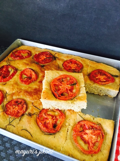 tomato and garlic focaccia 6