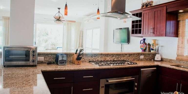 Mazatlan  2 bedrooms in Beachfront Home For Sale (26)