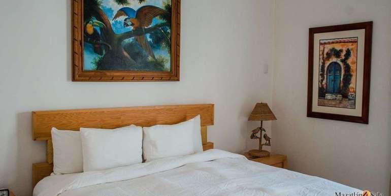 Mazatlan  2 bedrooms in Beachfront Home For Sale (48)
