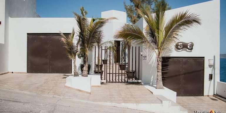 Mazatlan 4 bedrooms in Oceanfront Home For Sale (26)