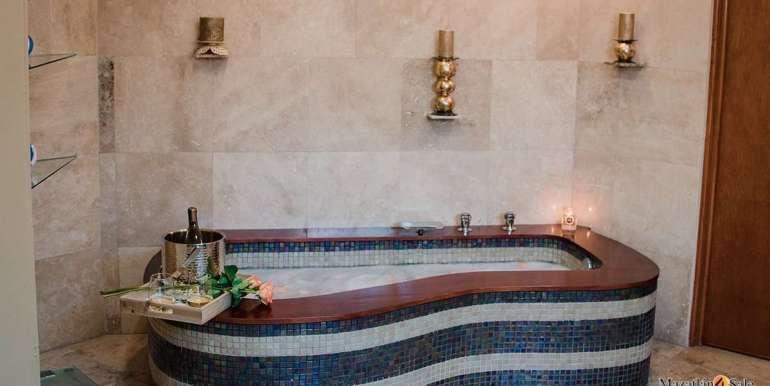 Mazatlan 4 bedrooms in Oceanfront Home For Sale (31)