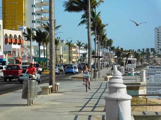 La transformación del Malecón de Mazatlán Tramo: AV. Del Mar ...