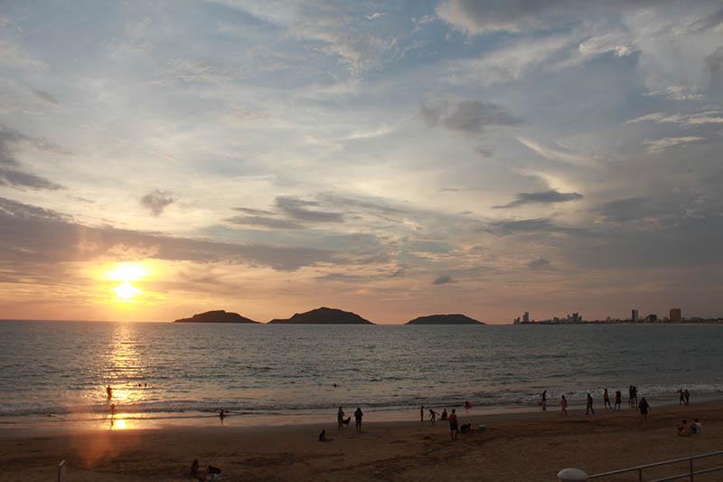 Atardecer-Playa-Norte-mazatlan
