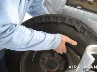 bias-ply-tire-blowout.jpg