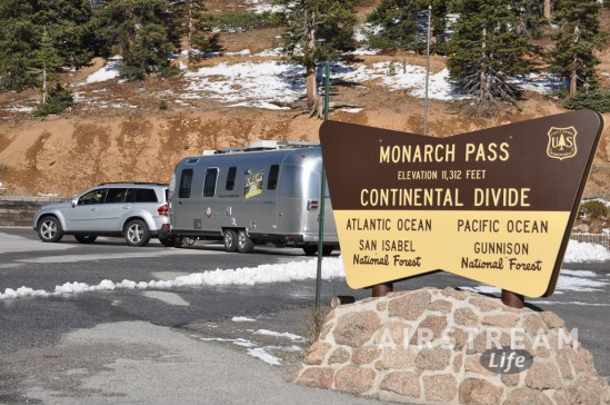 airstream-mercedes-mountain-pass
