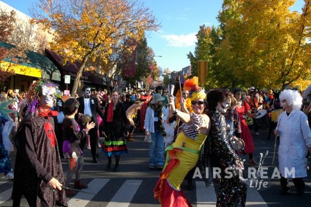 Medford OR halloween parade 2007