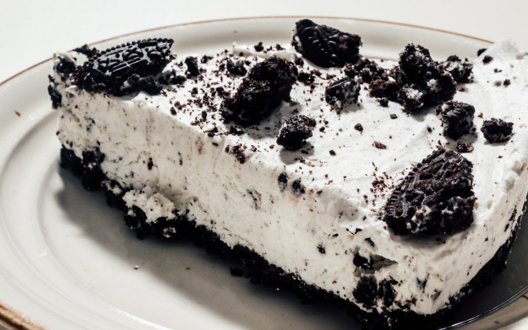 Cheesecake cu oreo. Desertul fără coacere