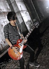 Ridho, Guitar