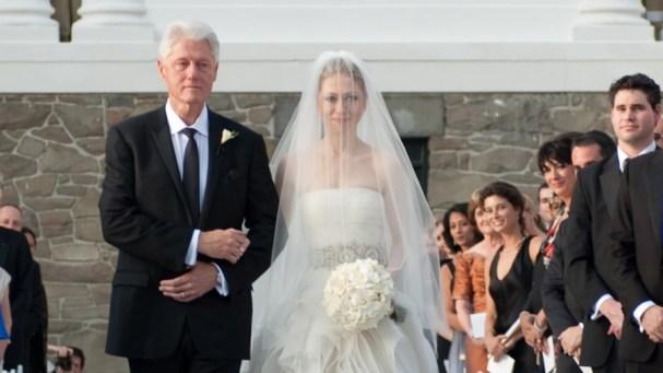 Chelsea Clinton Distances Herself From Jeffrey Epstein Associate ...