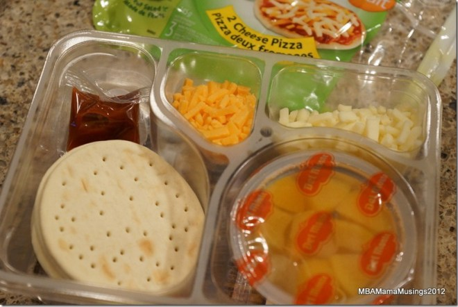 Contents of Pizza Lunchmate +Fruit