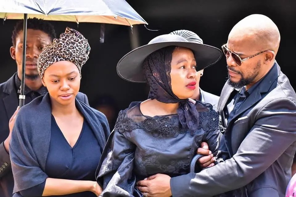 """Did you know this is how much Sindi Dlathu """"Lindiwe"""" earns on The River?"""