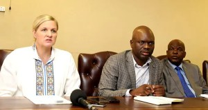 Minister Kirsty Coventry (left) and ZIFA boss Felton Kamambo