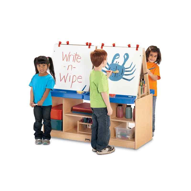 Childrens art station