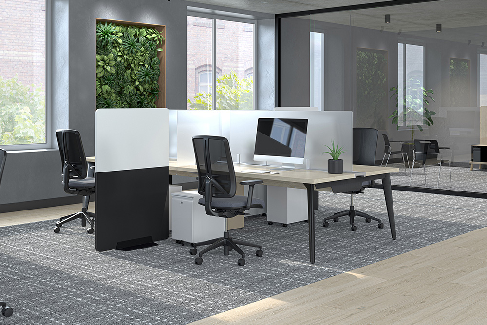 Workstations with protective screens