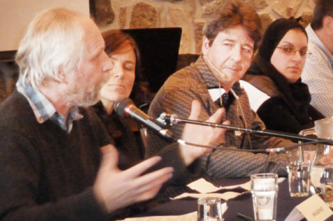 Panellists offer divergent perspectives on Quebec's proposed secularism charter at an AEFMQ  colloquium. Photo:  Courtesy Le Lien
